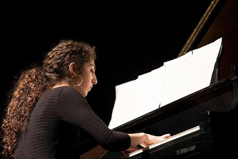 Margaux Vellucci on the piano